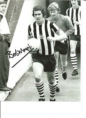Football Autograph Bobby Moncur Newcastle United Signed 10x8 in Photograph JM217