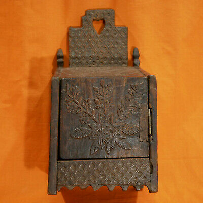 ART POPULAIRE Boite en bois sculpté XIXe Chataignier Folk art box Carved wood