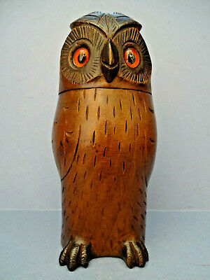 ANTIQUE SWISS TREEN DESK-TOP TRINKET BOX IN THE FORM OF AN OWL, c 1900-10.
