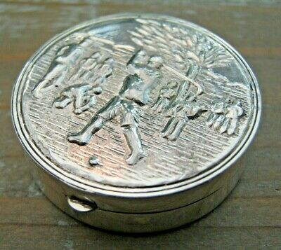 A Beautiful Antique Style English Hallmarked Solid Sterling Silver Box