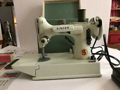 Vintage 1964 Singer 221k WHITE Featherweight Sewing Machine Working condition