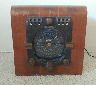 Vintage ZENITH 6S362 RADIO - UNTESTED CHASSIS w/ 6 TUBES (turns on)-good graphic
