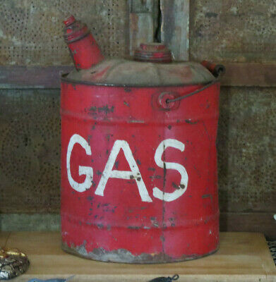 Barn Find Bail Handle Metal GAS Can Wonderful old RED Paint Grubby Primitive LG