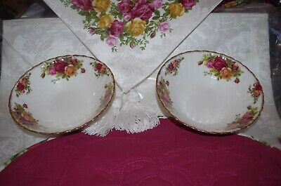 """Royal Albert/England """" Old Country Roses"""" Set 2 Cereal Bowls"""