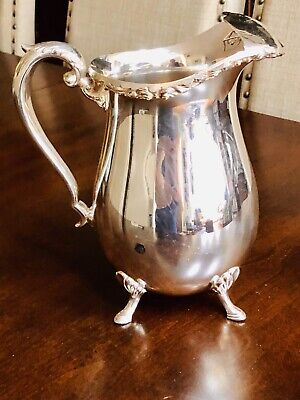 Beautiful Vintage Crescent SILVER PLATE ICE LIP WATER PITCHER 8.5""