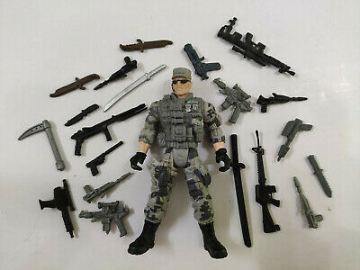 """3.75/"""" Gi Joe  Lannard the  Corp Soldier #99 with 20pcs Weapons Action Figure"""