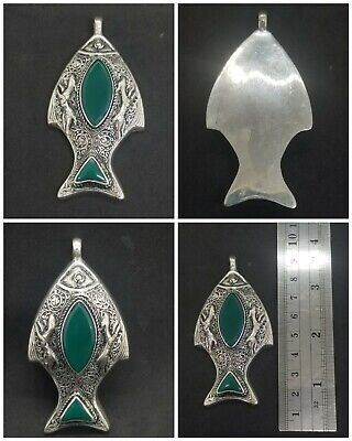 Rare vintage fish beautiful pendant with green agate stone