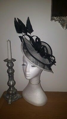 Black and Cream/ivory fascinator / Hatinator for wedding / the races