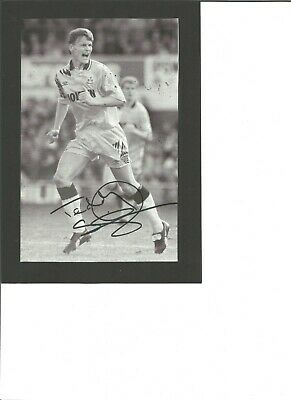 Teddy Sheringham signed 8x6 inch b/w photo , Footballer EL55