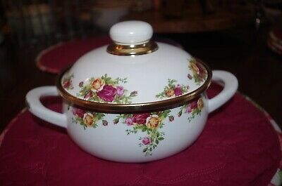 "Royal Albert ""Old Country Roses"" Covered Dutch/Pot Oven (Sm)"