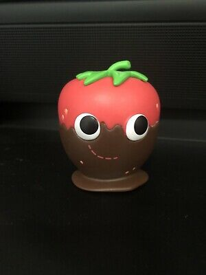 Yummy World Tasty Treats Vinyl Mini Series Kidrobot Chocolate Strawberry 1/24