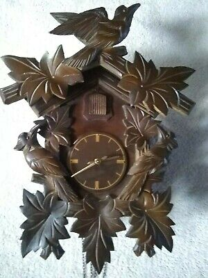 Black forest cuckoo clock 30 hour excellent working condition