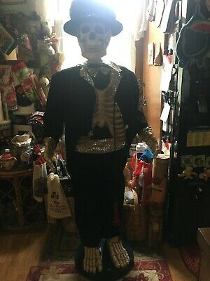 Gemmy Animated Singing& Dancing Skeleton Halloween Prop Life-Size 5Ft Great Cond