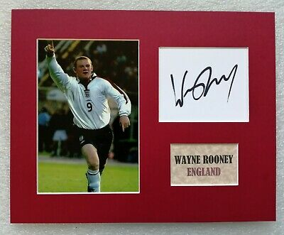 WAYNE ROONEY ENGLAND NO 9  SIGNED PHOTO Now DC in USA  10 x8 MOUNT COA