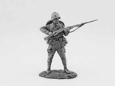 Tin toy soldier Infantryman of the Red Army, 1938-1941. Metall sculpture 54 mm