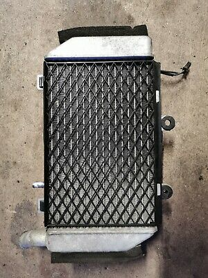 VFR800 VTEC 2002 LH Radiator and Working Fan