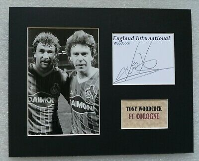 TONY WOODCOCK FC COLOGNE & ENGLAND AUTOGRAPH DISPLAY 10 x 8 MOUNT SIGNED