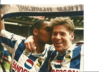 Chris Waddle signed 10x8 inch colour photo, former football player EL376