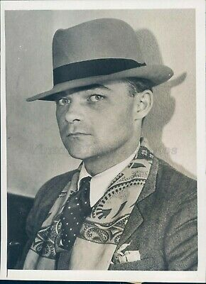 1932 Photo William Alken Cleveland OH Salesman Hat Tie Rare Original Antique