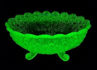 Antique Late 1800s Lg EAPG Uranium Vaseline Glass Footed Bowl Daisy Button NMINT