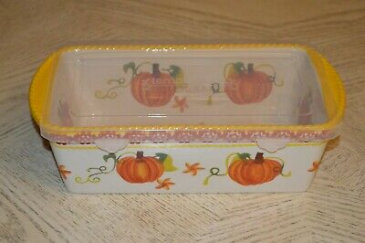 Temp-tations Old World  Harvest 1.75 Qt baker with Plastic Cover