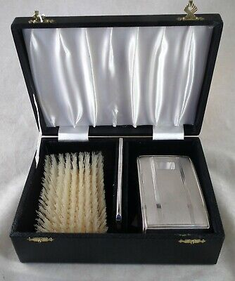 Cased Pair silver backed gents HAIRBRUSHES  +COMB.  B'ham 1978 unused? Tagged