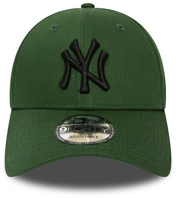 New Era League Essential 9Forty New York Yankees Cap in Hooley/Black