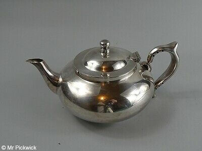 Robur Teapot 6 Cup with Infuser Perfect Teapot by Challenge