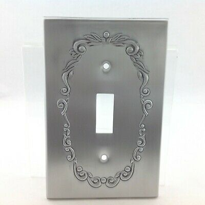 BrassSmith House - CW-1A - Pewter - Concord Wreath 1 Switch Plate