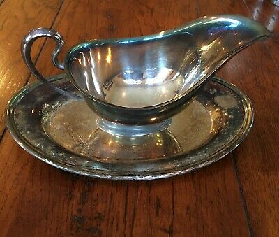 FB Rogers Silver Co 7406 One Piece Silver Plate Gravy Boat