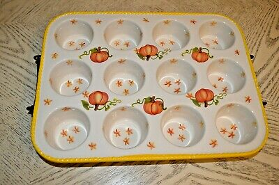 Temp-tations  Old World  12 Cup Muffins Baker with Rack