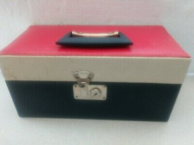 Vintage Eight Track 8-Track Tape Carry Case with Handle Holds 15 Tapes