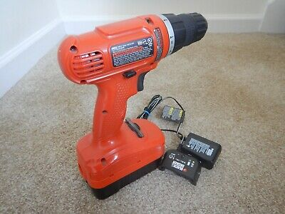 BLACK+DECKER GC1800 18 VOLT BATTERY CORDLESS DRILL DRIVER -W/battery & charger