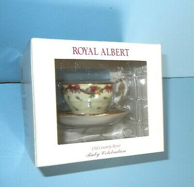 Royal Albert Old Country Roses Ruby Anniversary Teacup Ornament Green Chintz