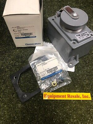 Thomas & Betts, Russellstoll 3753 Receptacle, 30A, 250V, 20A, 600VAC. Loc 1C /CL