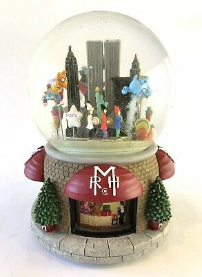 Macy's RHM Thanksgiving Day Parade Musical Snow Globe NYC 2000 Twin Towers RARE