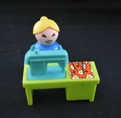 Vintage Fisher Price Little People #725 BATH SET + LAUNDRY + SEWING MACHINE VGC