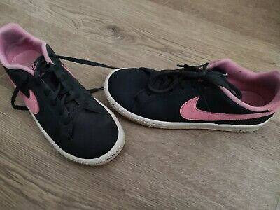Nike girl's trainers black/pink size 4