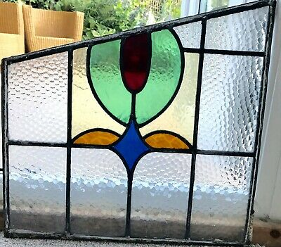 VINTAGE 1930s STAINED GLASS WINDOW IN SHADES OF RED, AMBER AND GREEN
