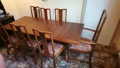 Furniture used Oak (believed) Dining table, 6 chairs and 1 Carver extends