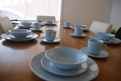Johnson Bros Vintage Australian Dinner Set For 6 Including Cups And Sauces