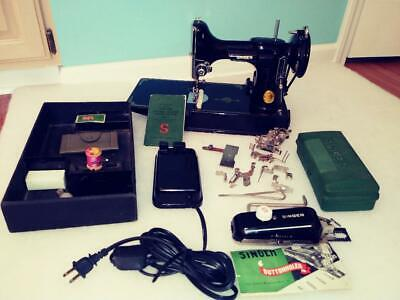 Singer Model 221-1 Featherweight Sewing Machine