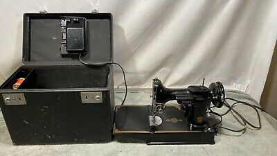 Vintage Featherweight Singer Sewing Machine with carry case