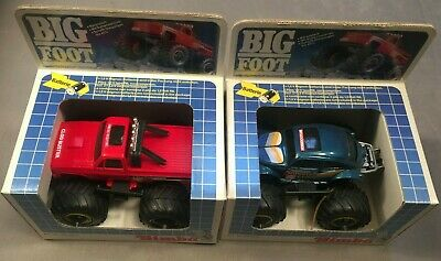 2x Simba Toys Vintage Monster Truck: Clod Buster & Hump Backed Monster Beetle