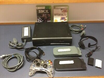 XBOX 360 ELITE 120GB System w/ Headset Controller 2 games Extra Memory.