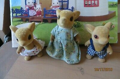 Sylvanian families UK Moss Reindeer mother and children- Calico Critters