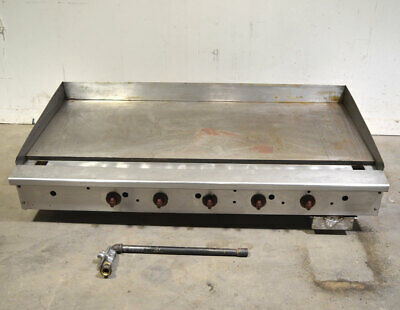 "Wolf AGM60 60"" 5-Burner Gas Grill Griddle 1""-Thick-Plate Countertop 135,000-BTU"