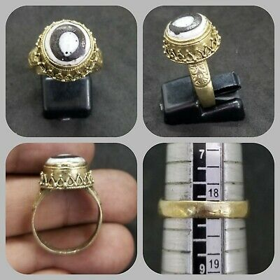 Beautiful vintage gold gulding ring with ancient mosaic eye stone lovely ring