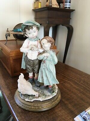 Campodimonte Italian  figural of 2 children and chicken beautiful. excellent