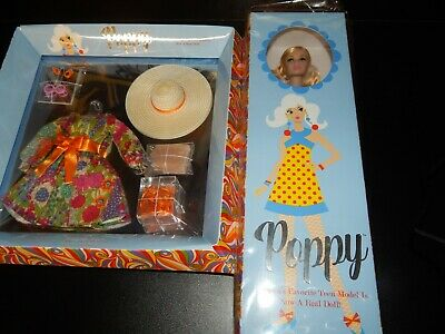 Integrity Toys 2019 Convention Poppy Parker Style lab Groovy + Beauty Blossoms